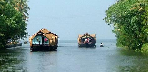 Munnar- Alleppey- Kumarakom Tour Package